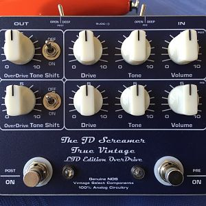 The Dual channel JD Screamer True Vintage Component Overdrive Pedal